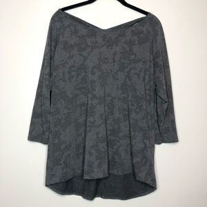 Under Armour Top Loose Fit Key Hole Back XL